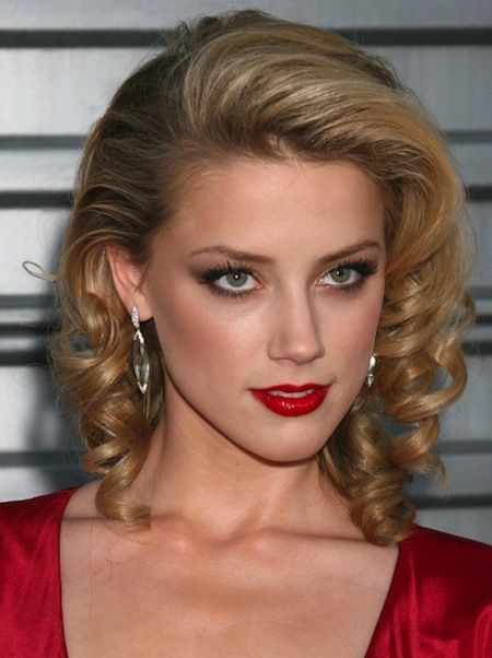Loose Retro Curls For Medium Hair With Long Layers Vintage Hairstyles Retro Hair Vintage Hairstyles Medium Hair Styles Medium Layered Haircuts