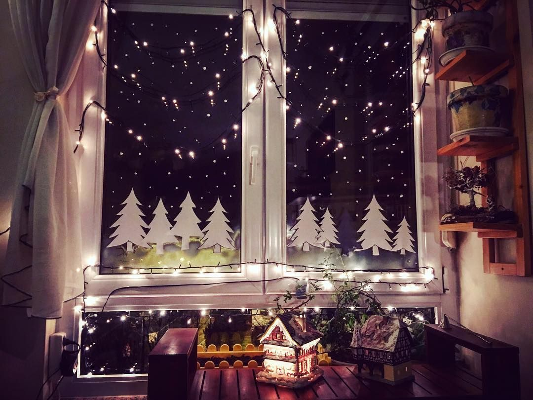 29 Exclusive Christmas Window Decoration Ideas  Window decor