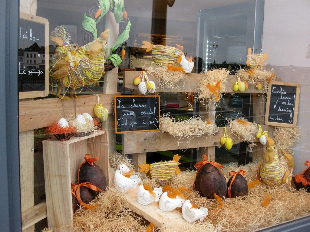 Decoration Vitrine Magasin Vitrine De Pâques Vitrines Table Decorations Decor Et Boutique