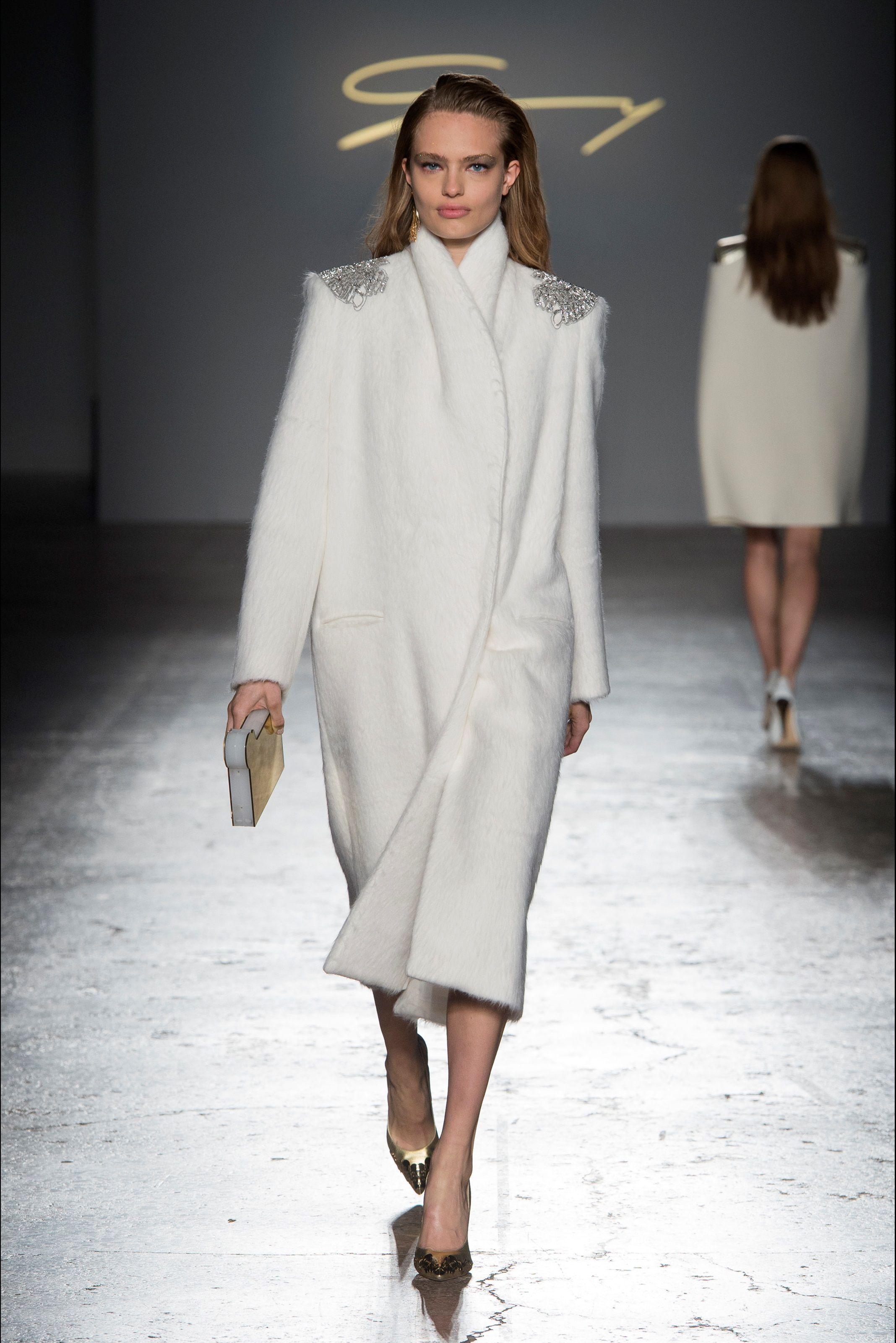 Sfilata Genny Milano - Collezioni Autunno Inverno 2017-18 - Vogue