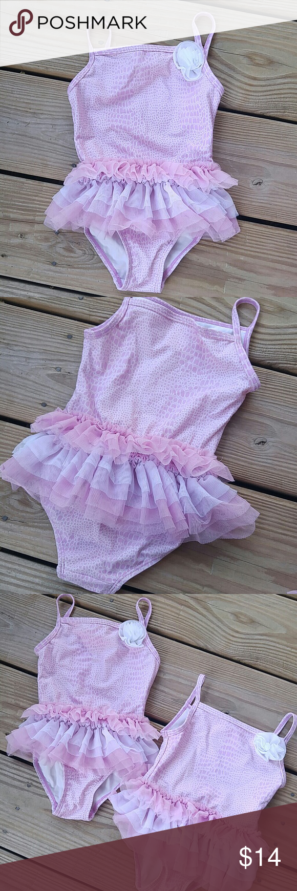 Toddler girls ruffles swimsuit so so sweet and cute little ruffle detail one piece swim suits!I have 2 sizes you can purchase seperatley Flapdoodles Swim