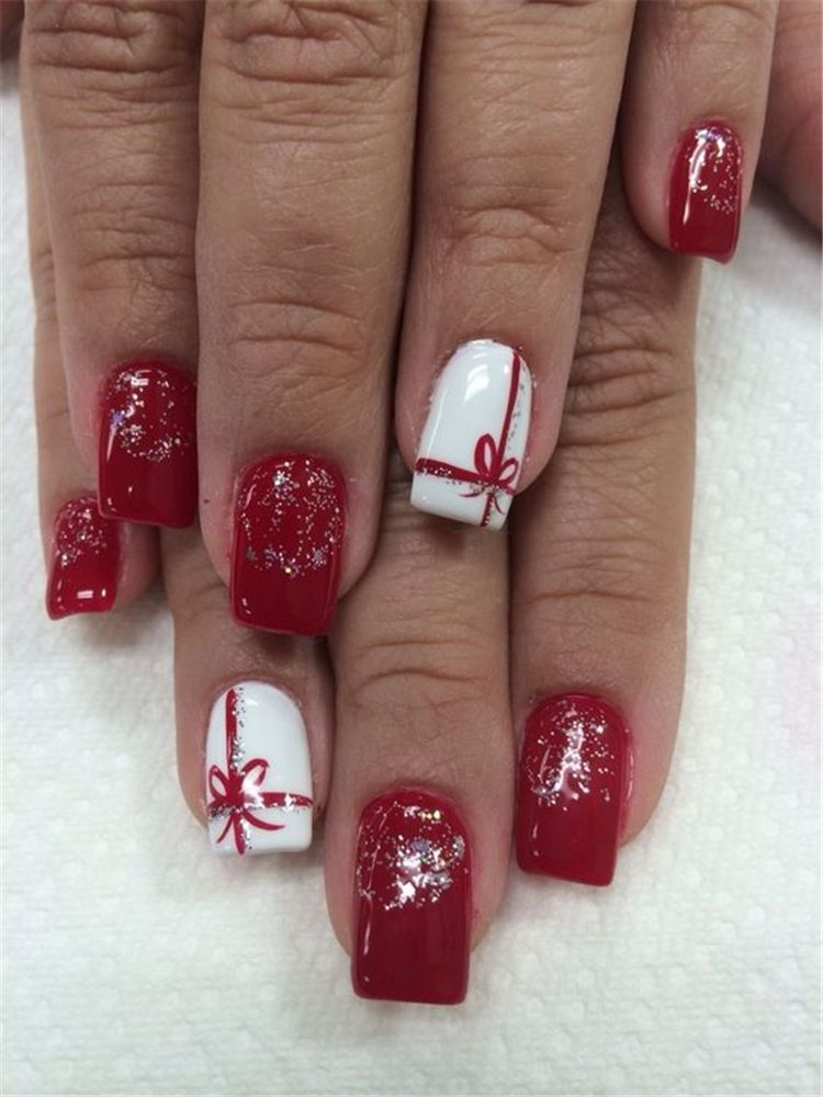 50 Gorgeous And Cute Christmas Square Nail Designs For The Coming Holiday - Page 35 of 50 - Chic Hostess #holidaynails