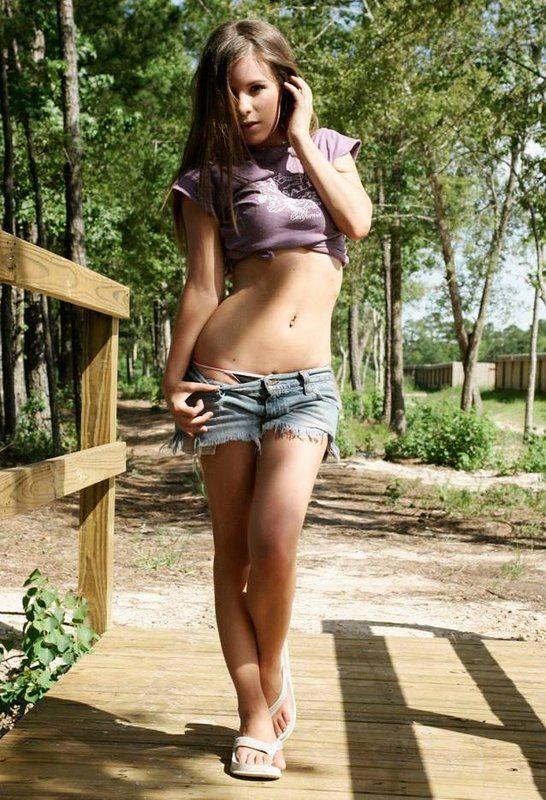 Horny girls online