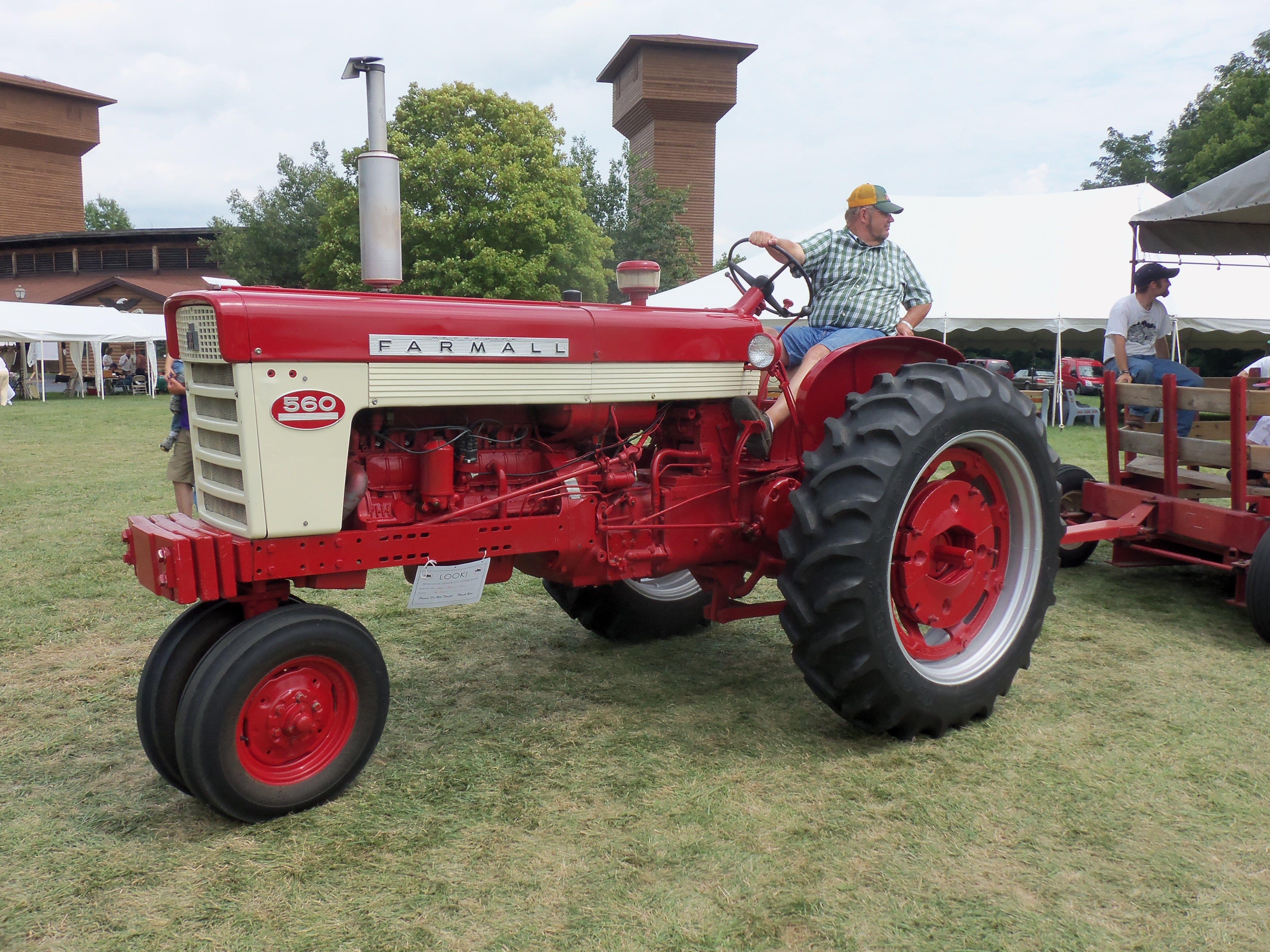 Ih 560 Turbo : Farmall international pinterest tractor