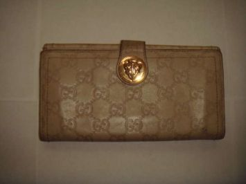2c59f9b03c10 Gucci Wallet Bone Leather Clutch 69% off retail | WALLETS ...