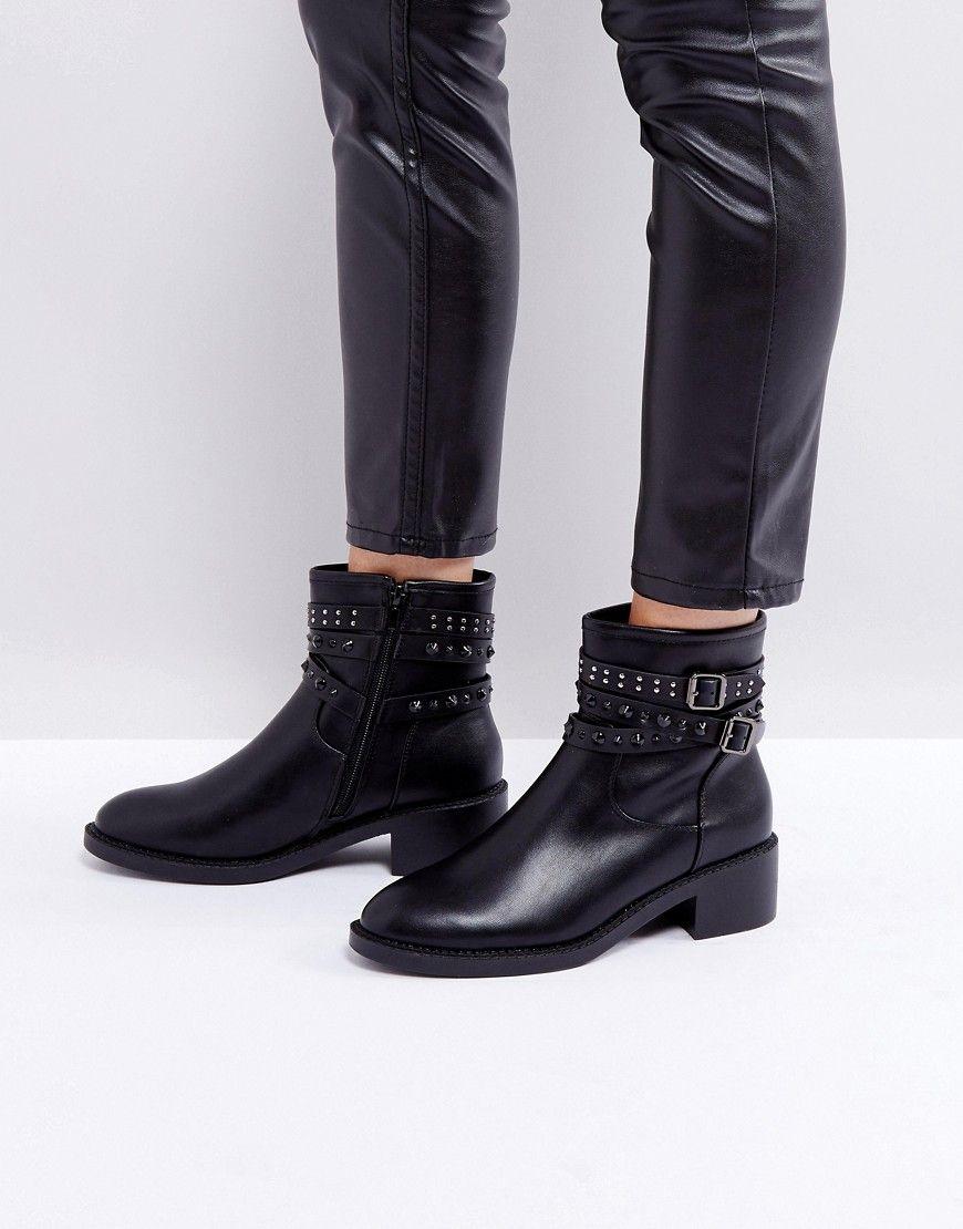 Glamorous - Flache schwarze Ankle-Boots mit Nieten ...