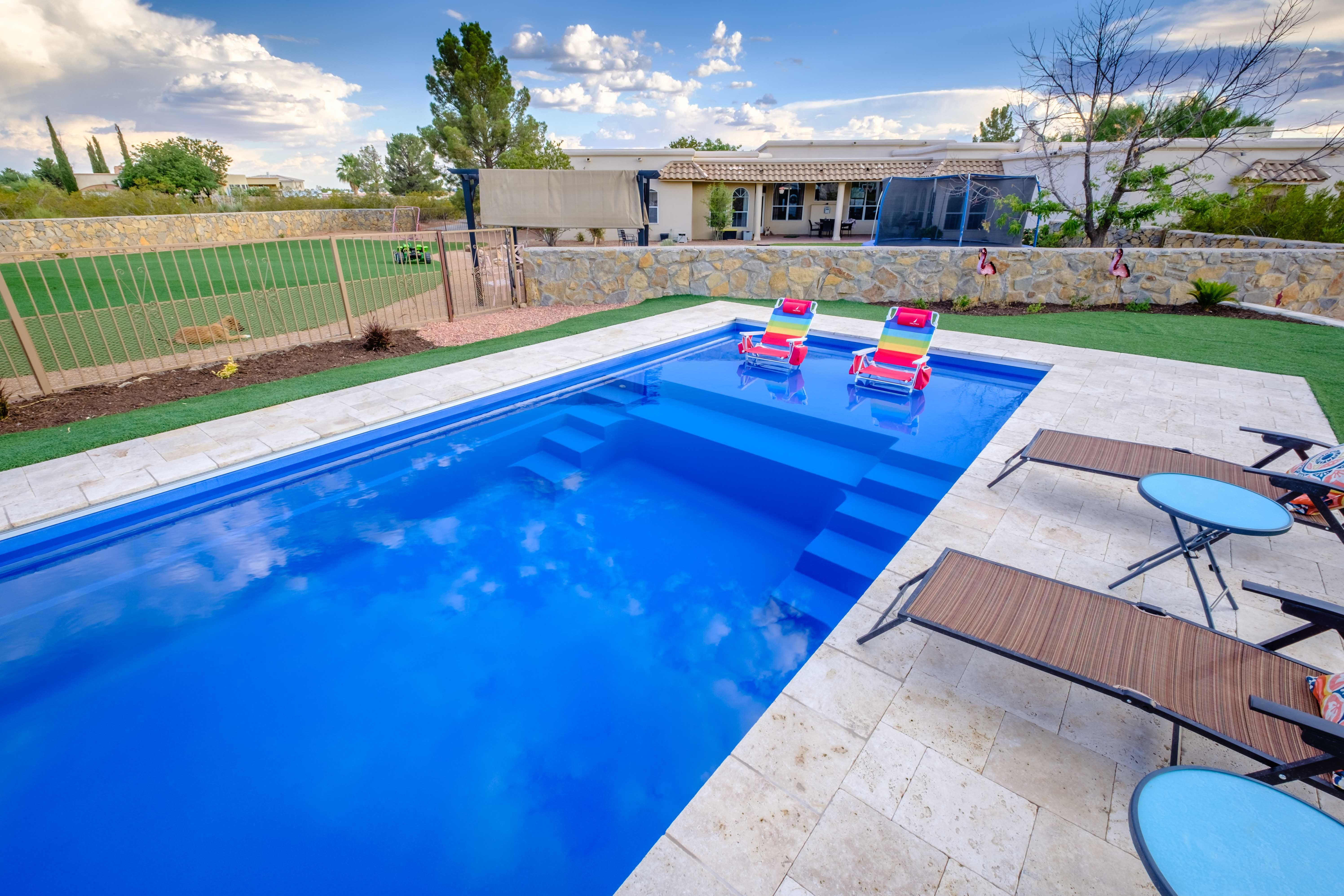 Happiness Is Living In New Mexico Where You Get To Enjoy An Imagine Pools Freedom Fiberglass Swimming Pool All Yea Pool Houses Fiberglass Swimming Pools Pool