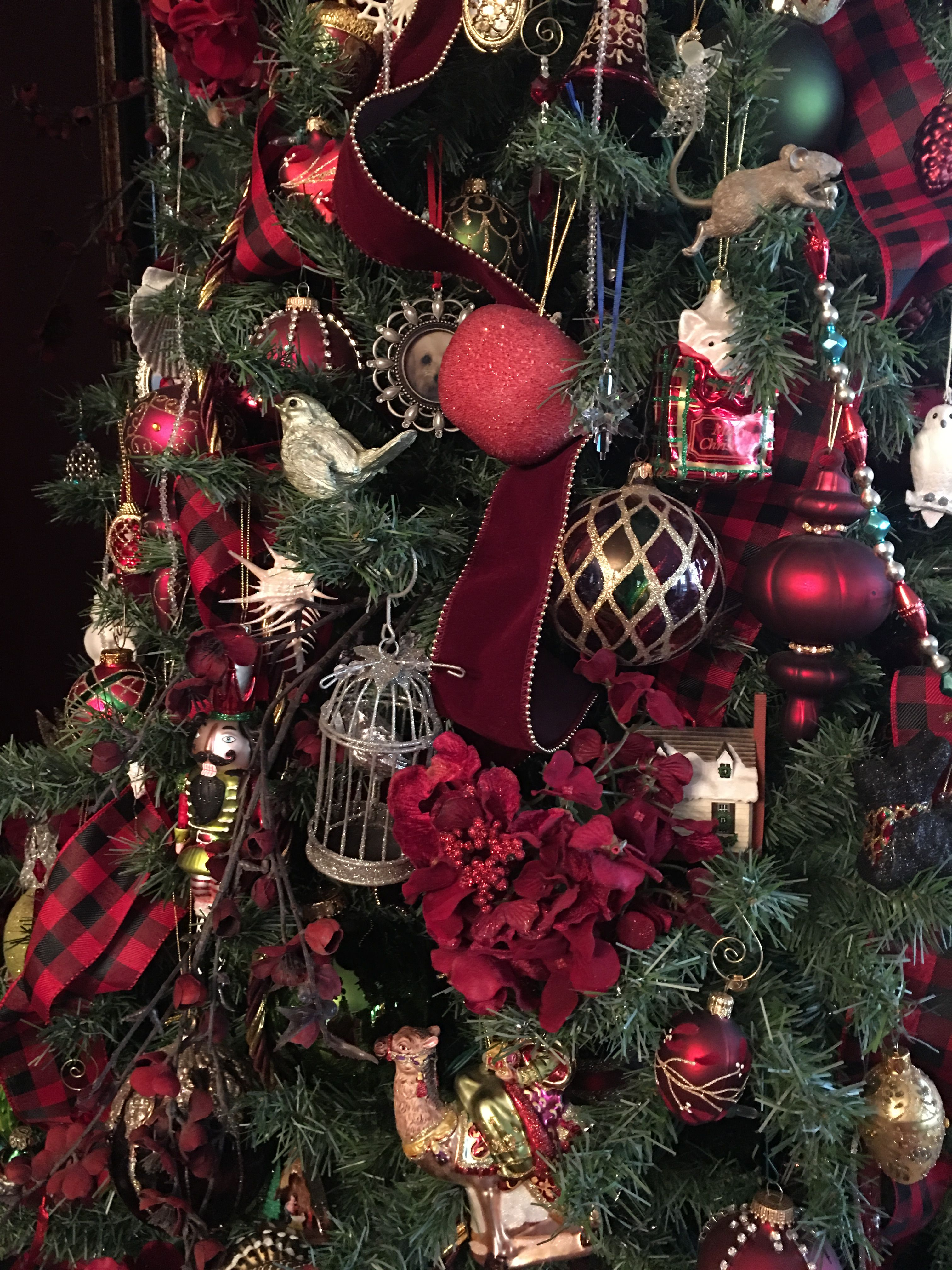 Close Up Of My Very Red Christmas Tree This Year With Buffalo Plaid And Red Velvet Ribbon Christmas Tree Inspiration Christmas Ribbon Red Christmas Tree