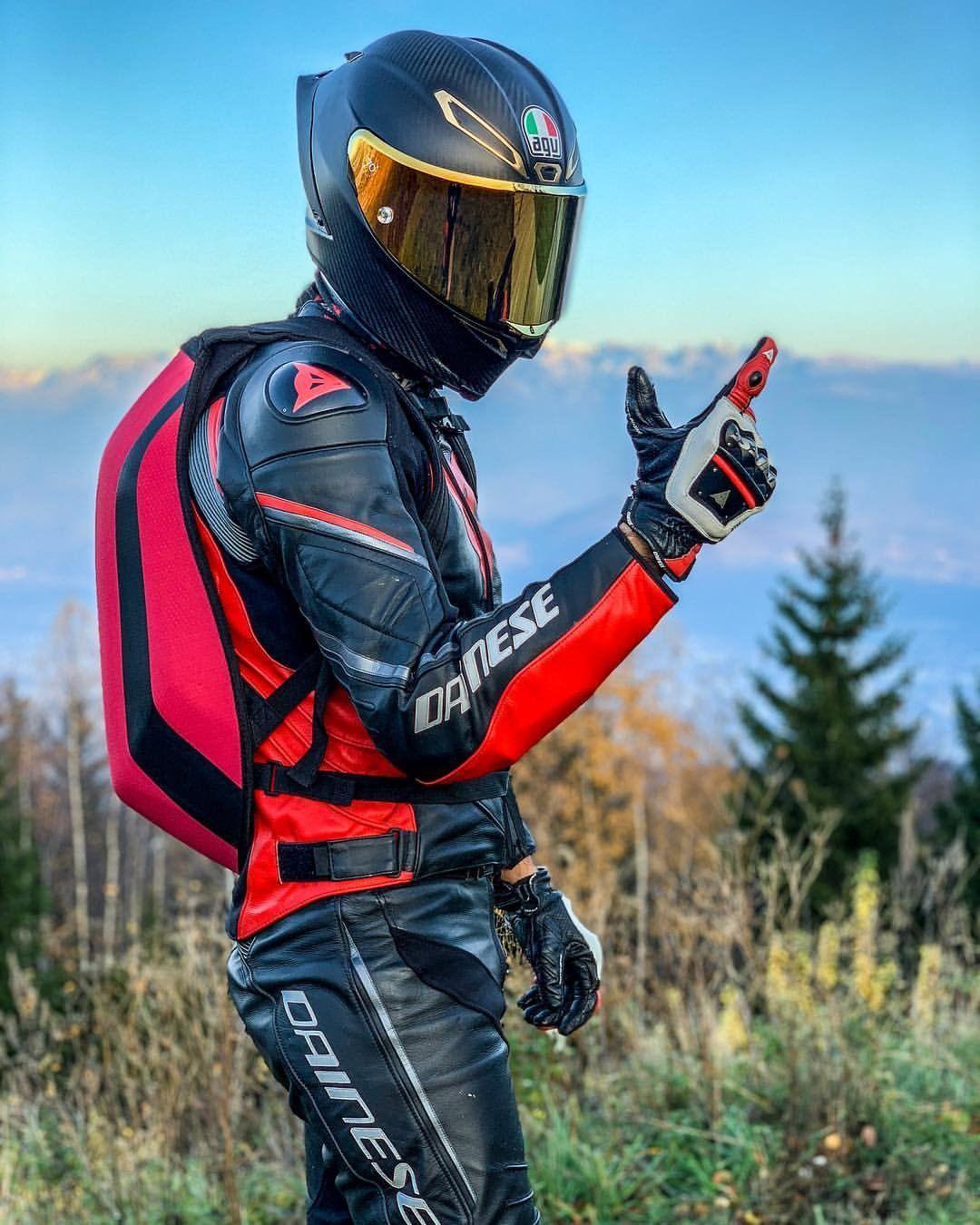 водолазная фото байкеров на мотоциклах в шлемах гармонизирует разум, снимает