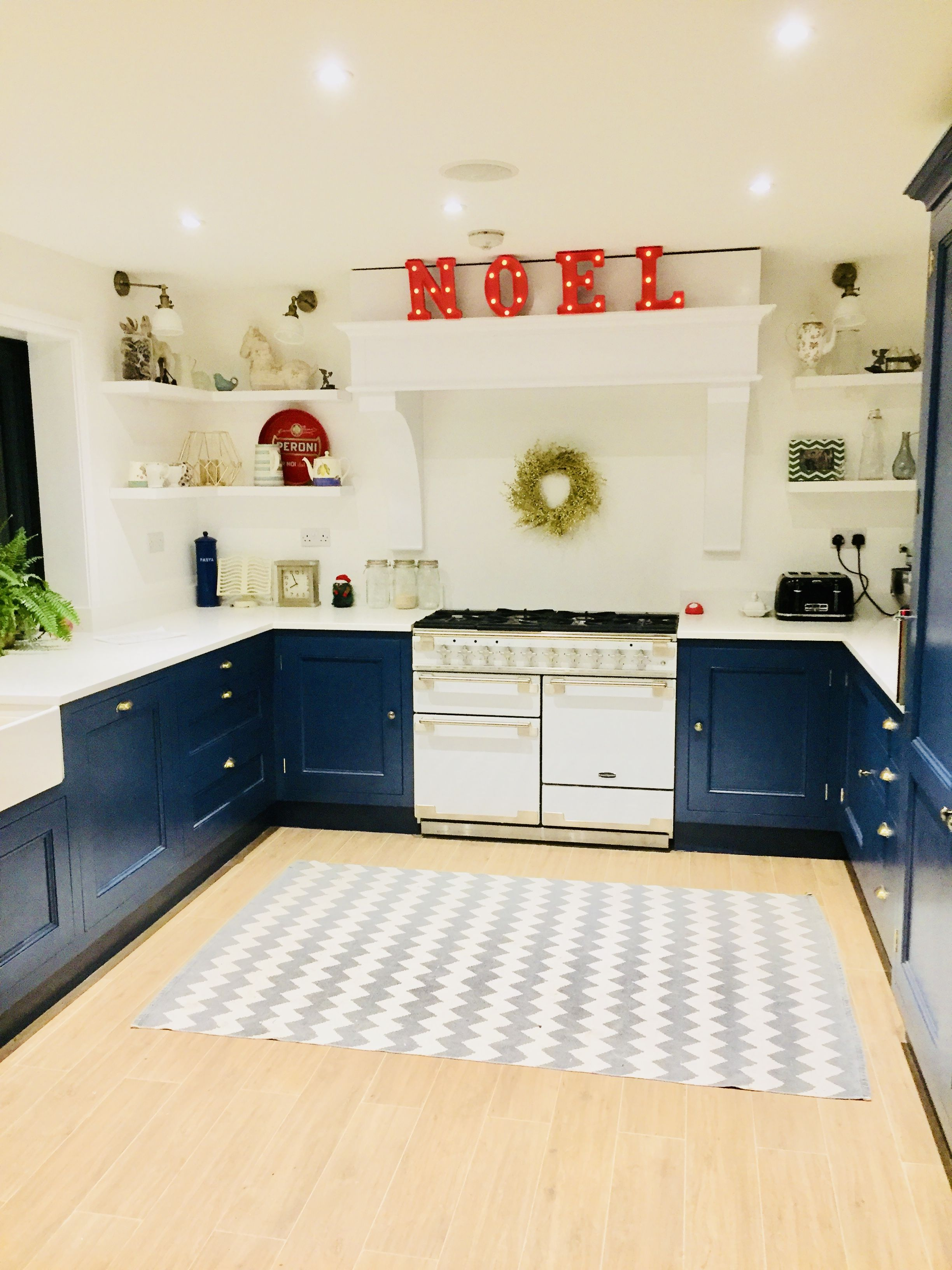 Navy Kitchen in Stiffkey Blue Farrow and Ball. Handmade. Vachromat ...
