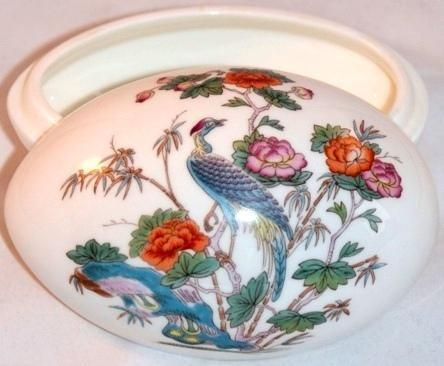 "Wedgwood Bone China ""Kutani Crane"" Egg Box Trinket Box  The crane motif dates back to early 19th century examples of Wedgwood designs  Measures approx. 3"" x 2"" x 2""  Tiny scratch on top"