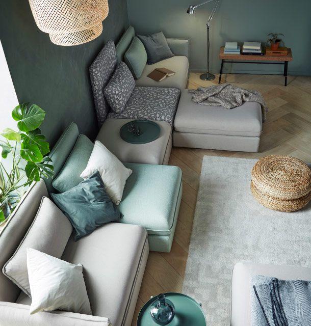 Una combinaci n de sof beige y verde con 5 asientos for Asiento con almacenaje