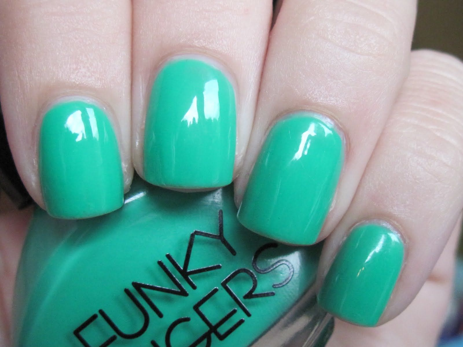 funky fingers - bizerk turq | Nails | Pinterest | Funky fingers ...
