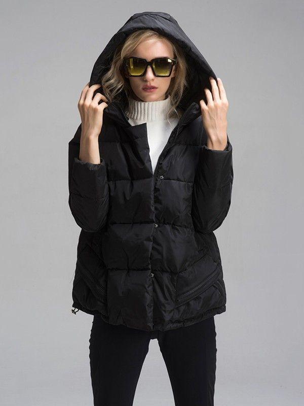 Vào những ngày mùa đông lạnh giá,những chiếc áo khoác dày dặn, có khả năng giữ ấm nhưng vẫn đảm bảo tính thời trang trở thành mối quan tâm hàng đầu của mọi phụ nữ.