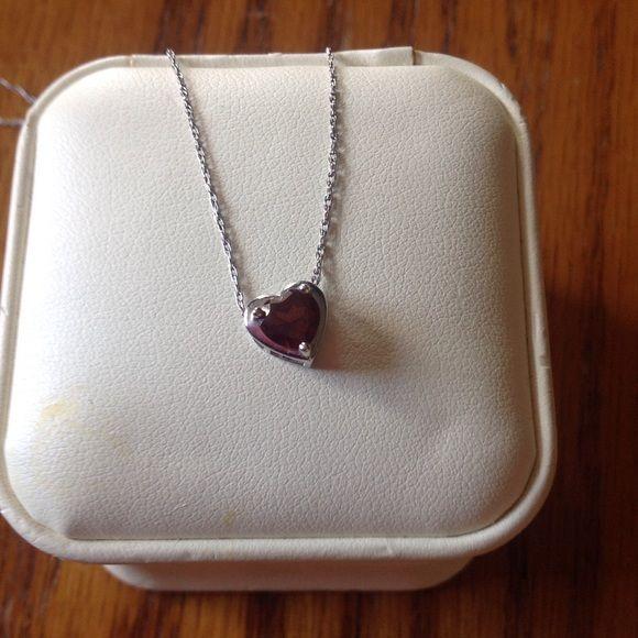 Jared jewelers heart shaped garnet necklace Jared heart shaped