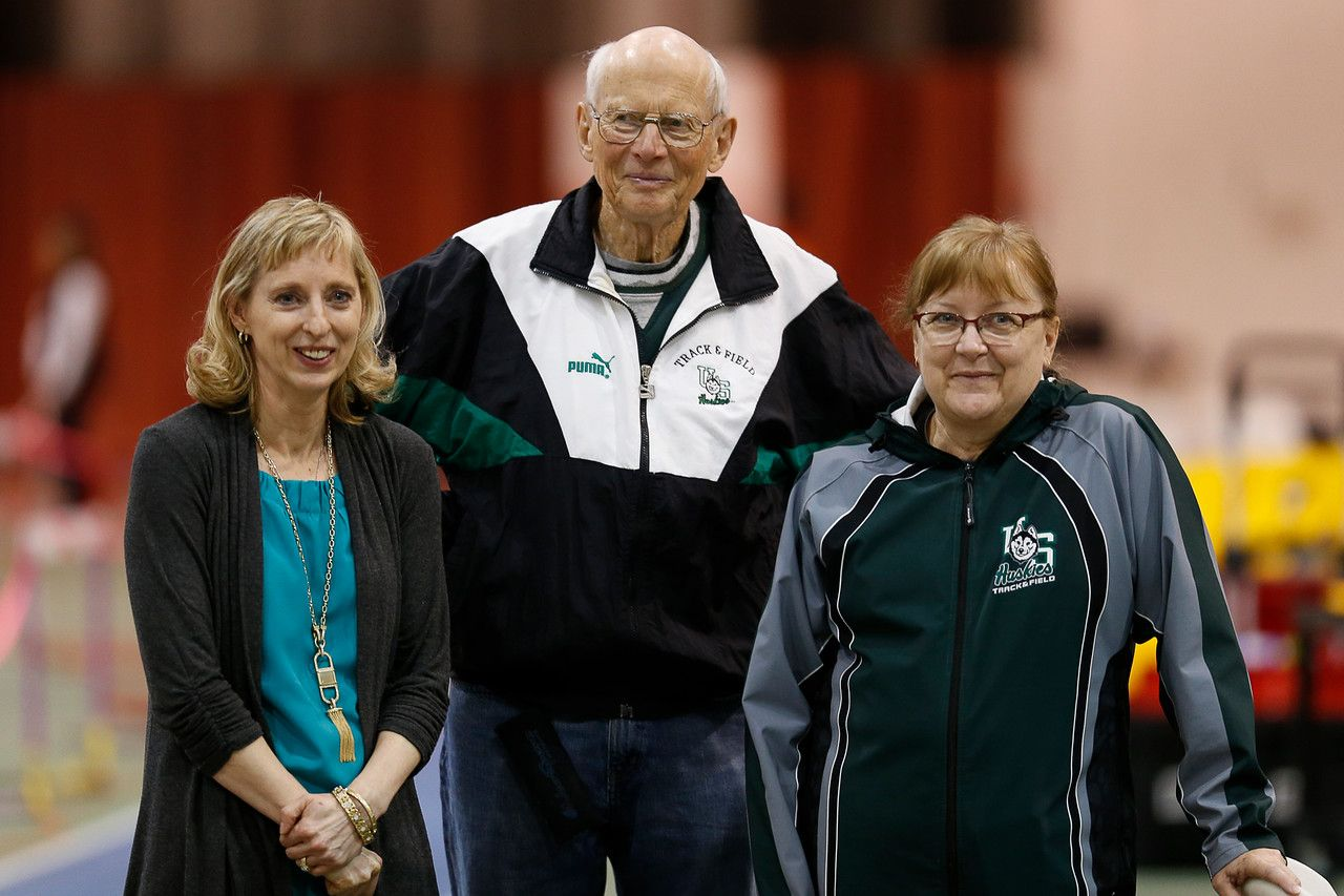 Legendary Track And Field Coach Sanderson Remembered Track And Field Coach Sanderson