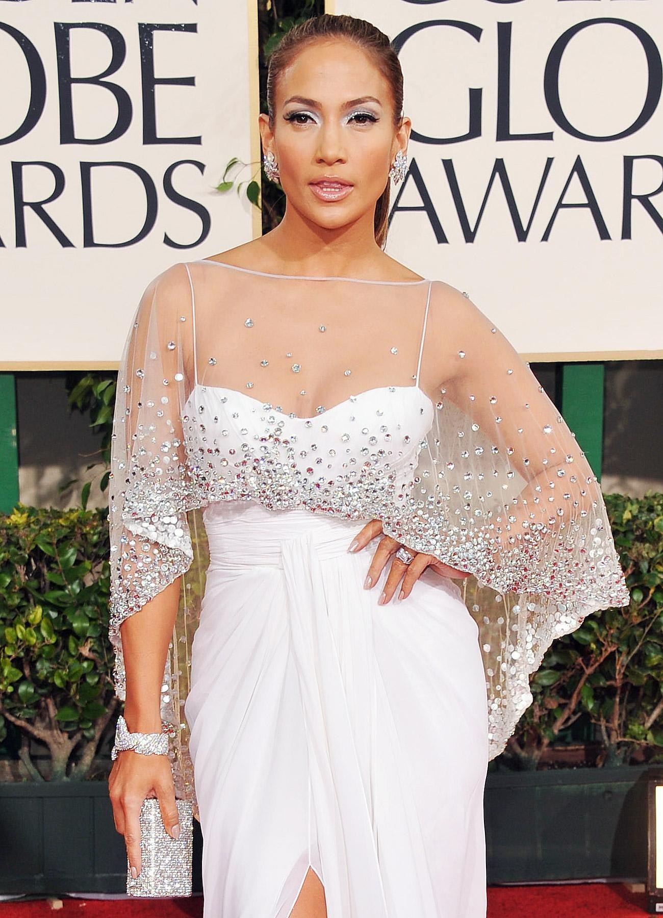 Jlo wedding dress  Jennifer Lopez Engagement Ring From Ben Affleck   Cut  Pinterest