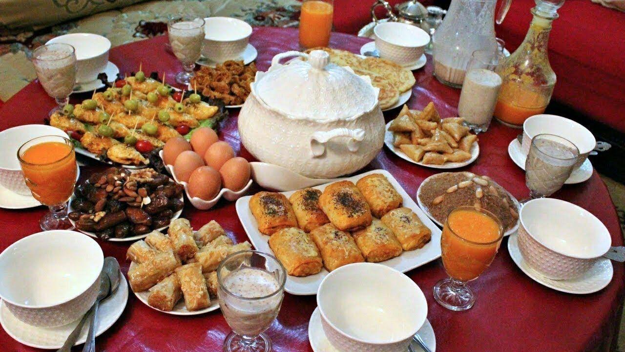 مائدة افطار رمضانية للضيوف او لعائلتك باقتراحات راقية وسهلة التحضير رائعة جدا Youtube Food Arabic Food Menu