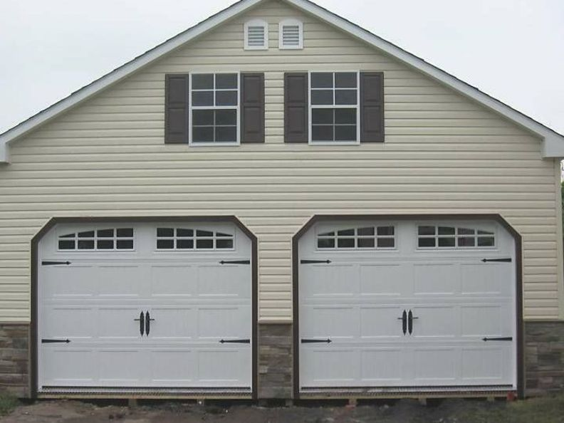 2 Overhead 9 X 7 Insulated Carriage Garage Doors W Diamond Plating At Entry Threshold 7 12 Roof In 2020 Garage Door Styles Carriage Garage Doors Garage Door Design
