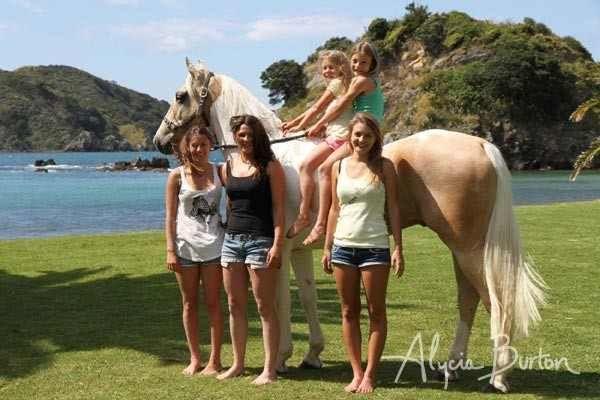 Alycia and Goldrush while filming the freeriding DVD on the coast (copyright Alycia Burton Freeridingnz)