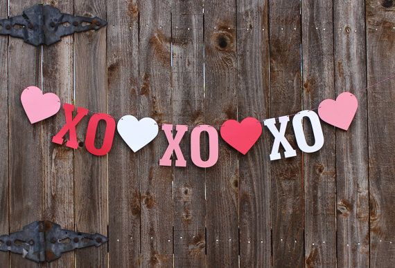 Valentines Day Wedding Party Decorations Photo Prop Supplies Glittery Be Mine Banner and Red Heart Shape Felt Garland
