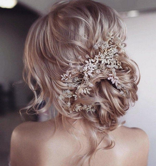 New Year S Hairstyle Ideas Easyhairstyles Wedding Hairstyles For Long Hair Hair Styles Bridal Hair Flowers