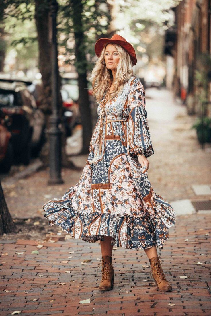 The ultimate boho chic autumn style with this fab maxi dress by Outdazl. -  Boho... 8