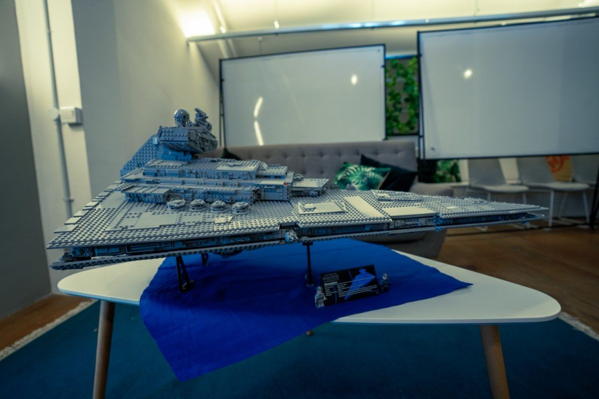 First Looks At The New LEGO Imperial Star Destroyer 75252 and Land Rover Defender 42110 #geekculture