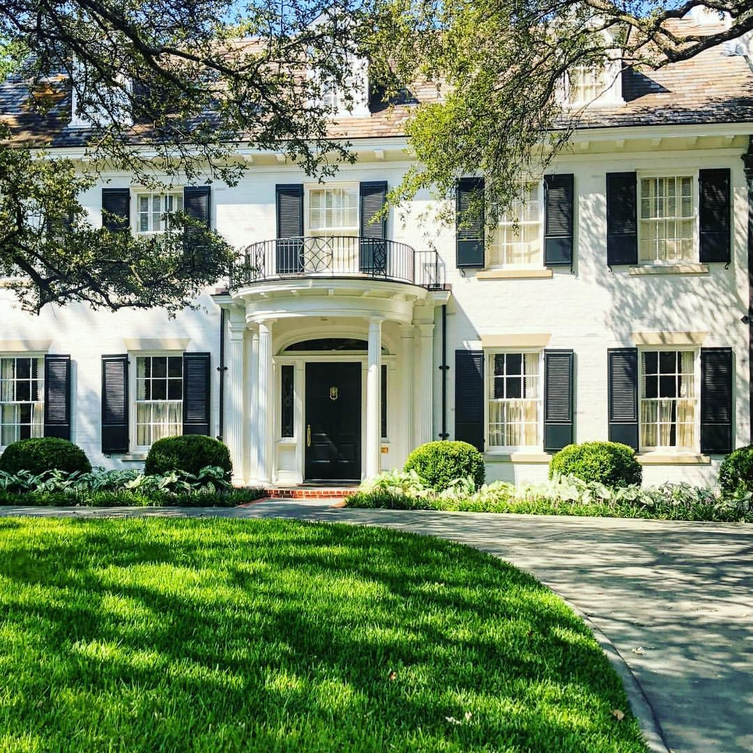 The Kind Of House You Want To Grow Up In Chicindallas Architecture Landscape Curbappeal Design House Dallas Thepot Painted Brick House House Exterior