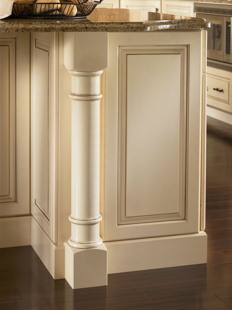 Molding and Accent Details - Roman Spindle - KraftMaid ...