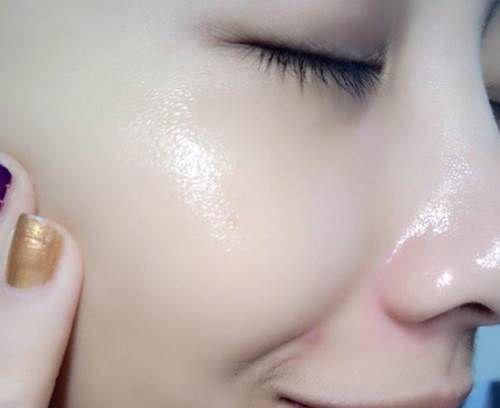 Nữ sao Hàn rữa mặt bằng cách nào?