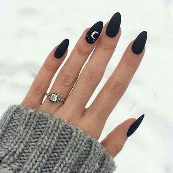 30+ Cute and Trendy Halloween Nails You Have To Tr