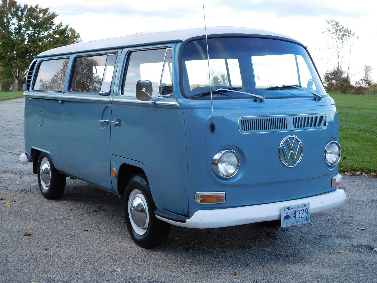 1969 Volkswagonbus Vanagon Deluxe Sunroof With A Westfalia