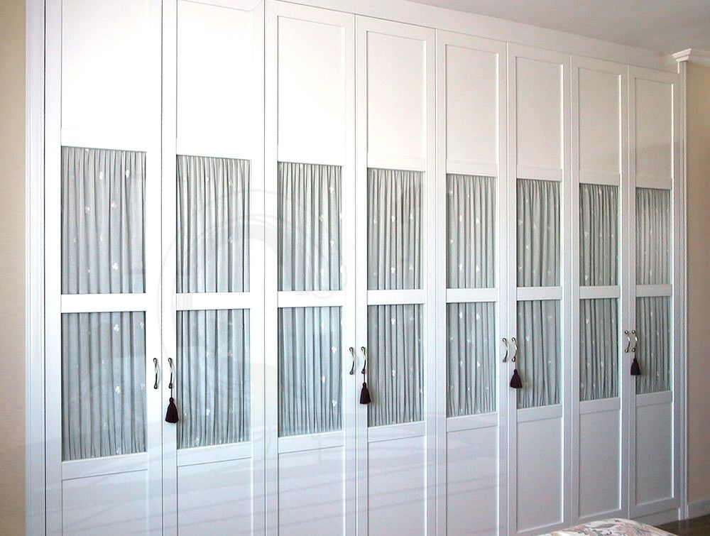 Armarios con puerta de cristal buscar con google merc - Armarios con puertas abatibles ...