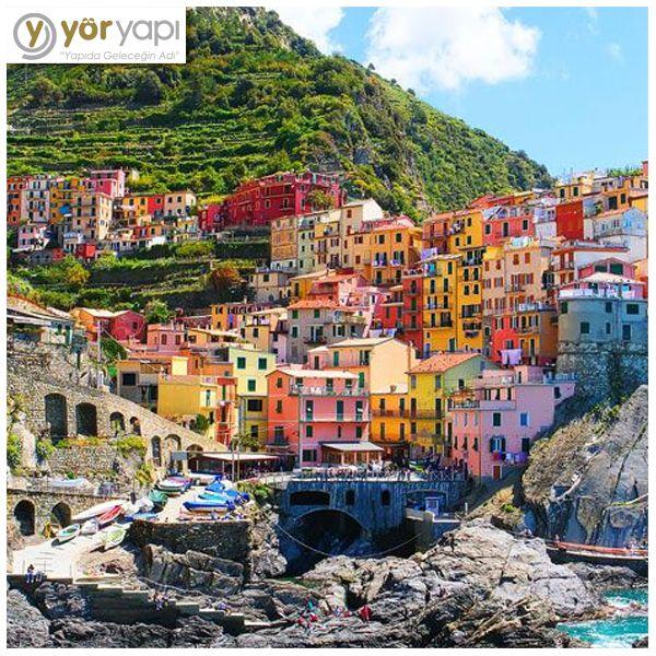 #GörmenLazım   #İtalya'da bulunan rengarenk evlerin olduğu Cinque Terre'yi görmeniz lazım!