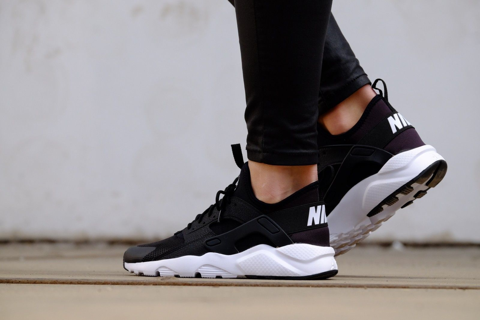732ed8430b347 Nike Air Huarache Run Ultra GS Black  White - 847569-002
