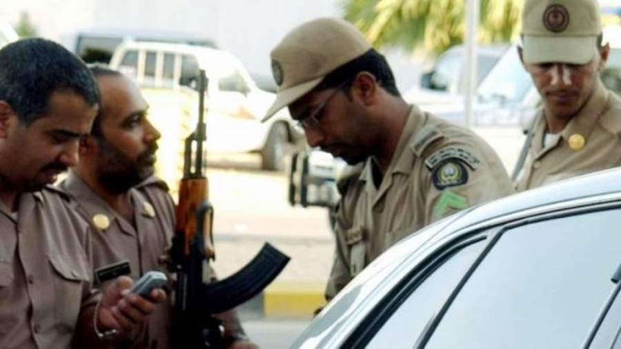 شرطة القصيم تضبط 4 متهمين بالاحتيال على عملاء البنوك Police Hard Hat News