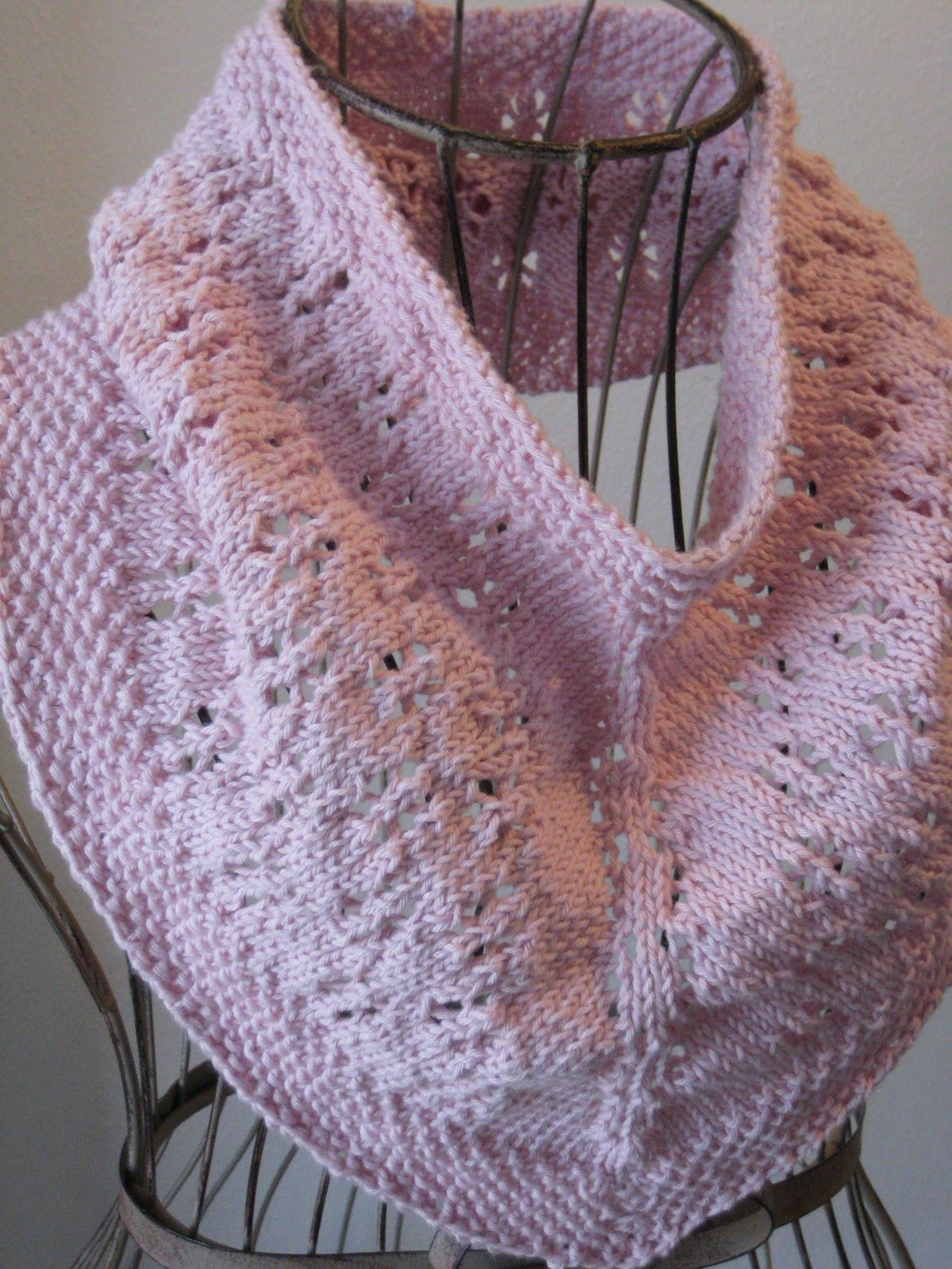 Daisy Chain Cowl Balls to the Walls Knits, A collection of free one- and two- skein knitting patterns