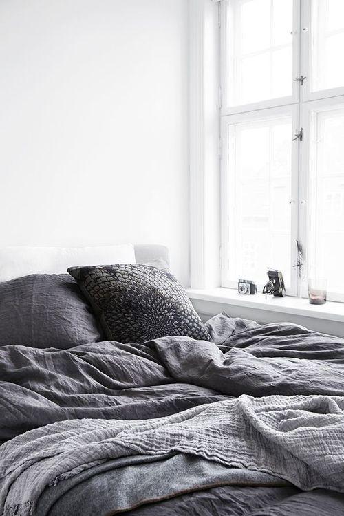 grey linen linge de lit en lin gris chambre bedroom. Black Bedroom Furniture Sets. Home Design Ideas