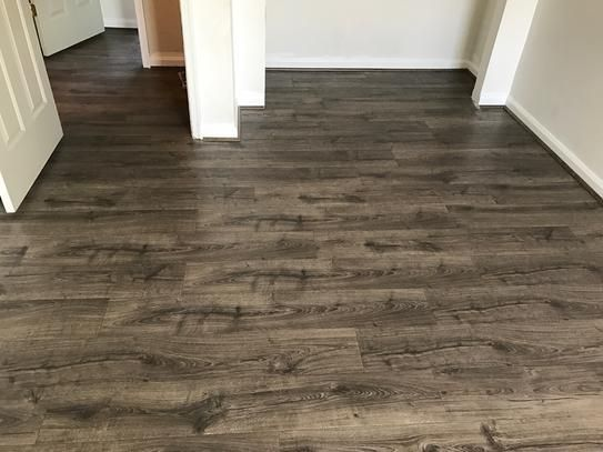 Pergo Outlast Waterproof Vintage Pewter Oak 10 Mm T X 7 48 In W X 47 24 In L Laminate Flooring 19 63 Sq Ft Case Lf000848 The Home Depot Wood Floors Wide Plank Laminate Flooring Maple Floors