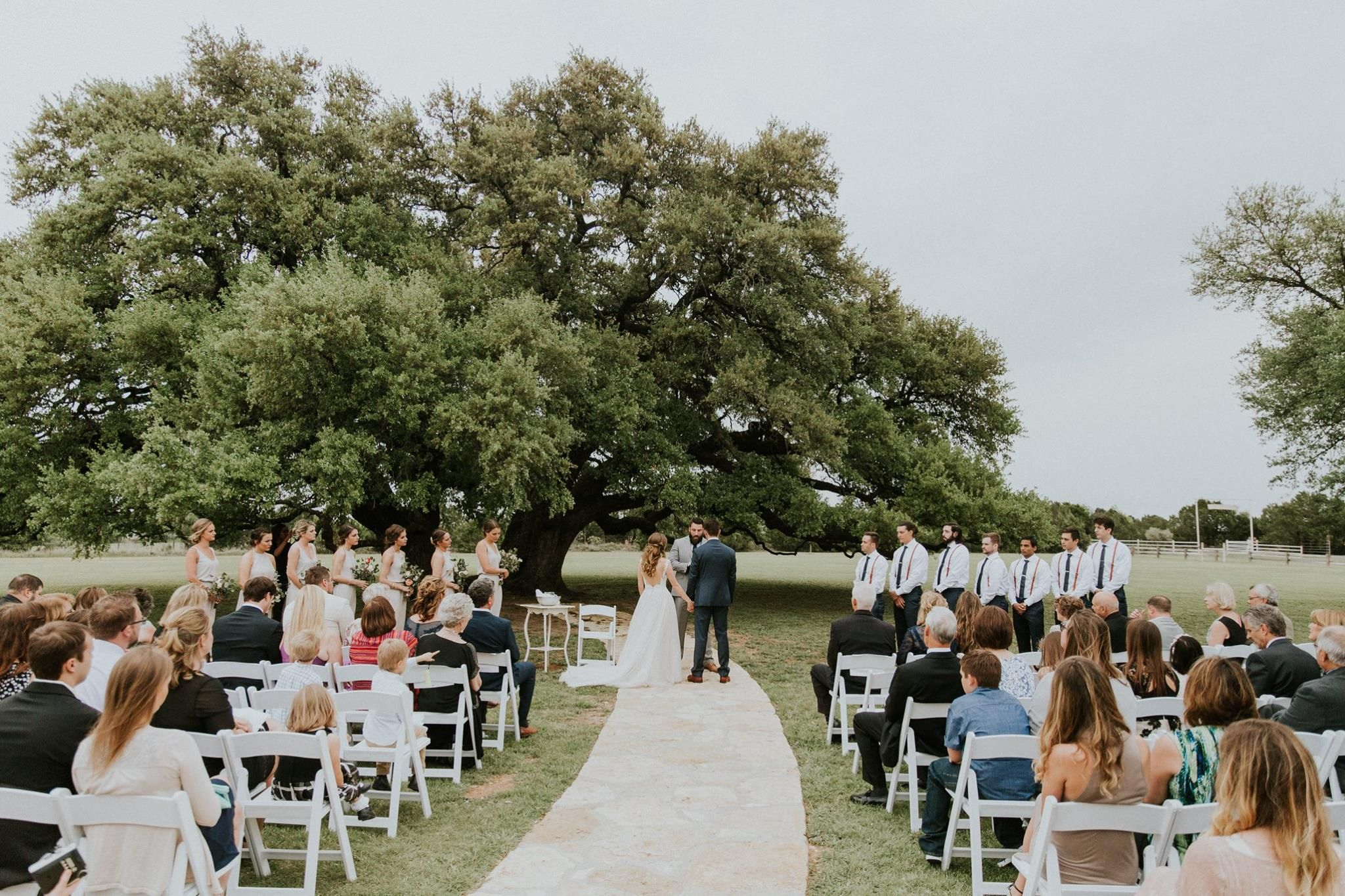 Farmhouse Style Wedding Inspiration at Five Oaks Farm ...