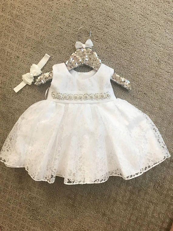 68c573664 Superposición de bebé bautizo vestido encaje bautismo vestido blanco bebé  vestido ivory de encaje bautismo vestido bebé niña vestido primer  cumpleaños ...