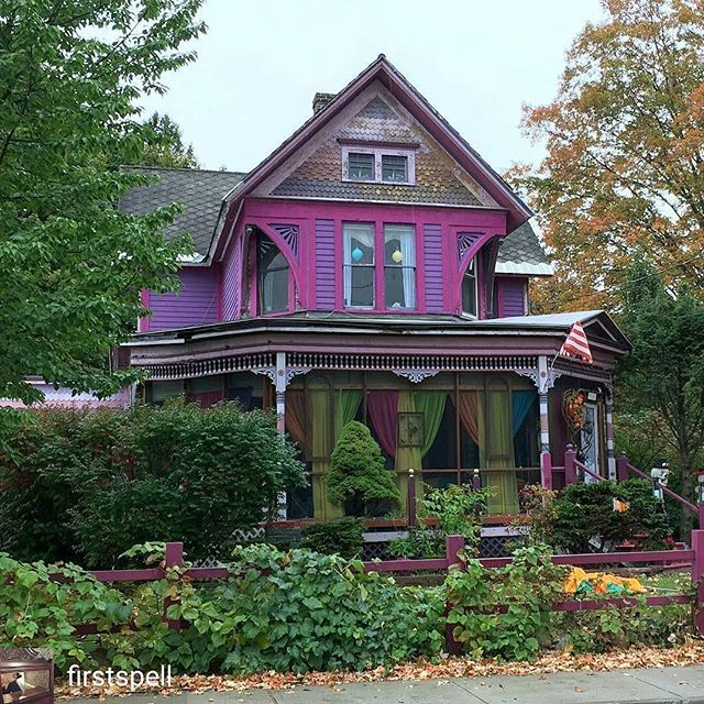 Fluff your feeds Friday feature!  what a head turner *insert wolf whistle here...* @Regrann from @firstspell - pink & purple Queen Anne #oldhouseenthusiast #oldhousecharm #oldhouselove #architecturephotography #archi_ologie #architectureporn  #architecturelovers #queenanne #victorian #victorianhouse