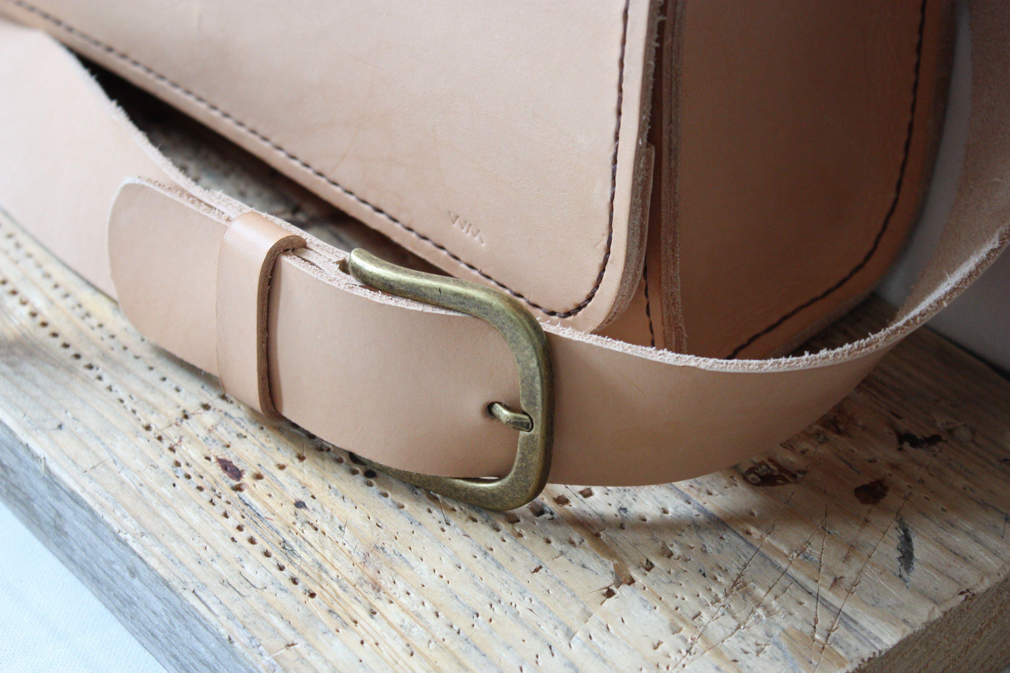 Full grain leather handbag hand stitched nude tan colour.   www.facebook.com/WernerManuelDesign