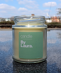 By Laura Little Jars.  Available in 4 main scents:  - Lavender & Orange Blossom  - Green Tea & Spearmint  - Reset - Vanilla & Peppermint  - Rosemary