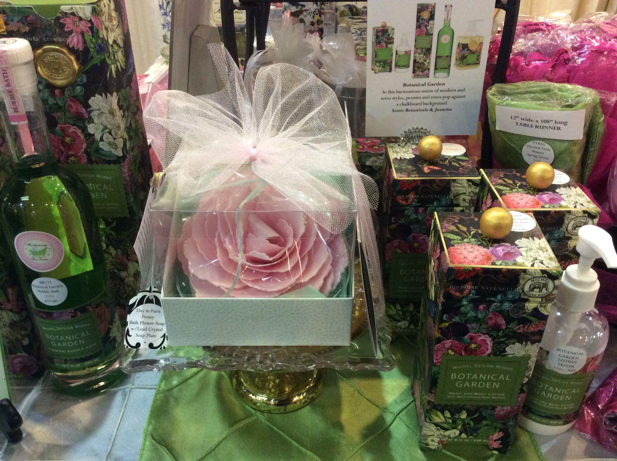 crystal bathroom accessories sets%0A Bath Soap Flower  u     Cut Crystal Soap Plate Gift Set