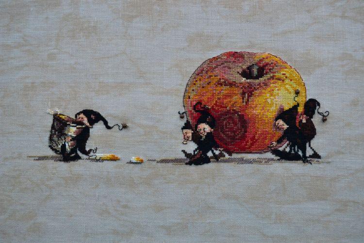 Design: Apple Designer: Nimue Ткань/Fabric: Zweigart Edinburgh Linen 36ct - Vintage Country Mocha Нитки/Floss: DMC Embellishments/Украшения: Бисер Mill Hill 40557, бусины Nimue