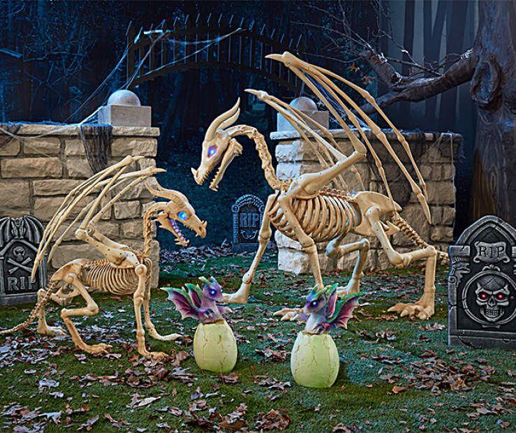 Big Lots Halloween Decorations 2019.Dragon Family Graveyard Gang At Big Lots Halloween In