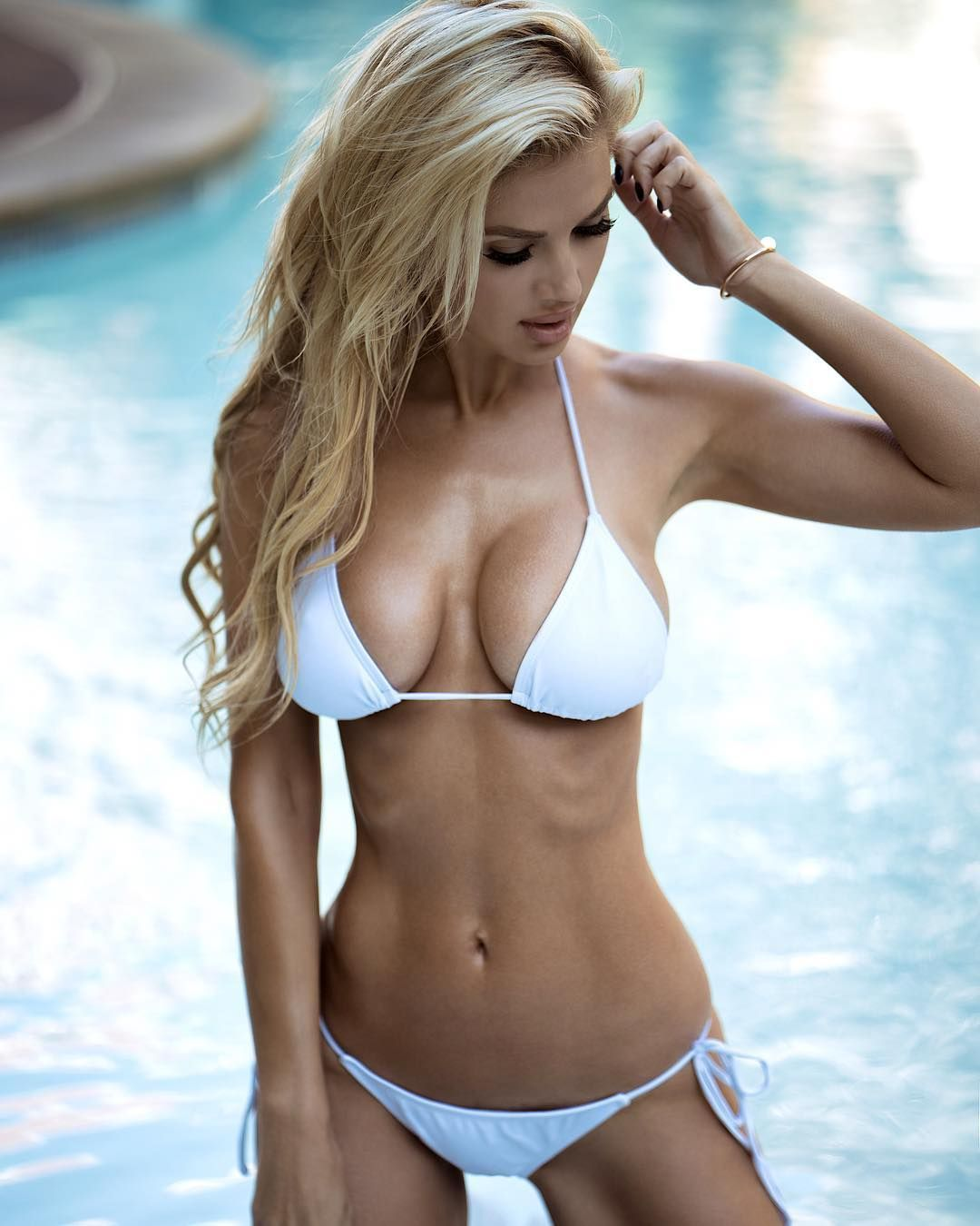 Hanna montana illy nuda