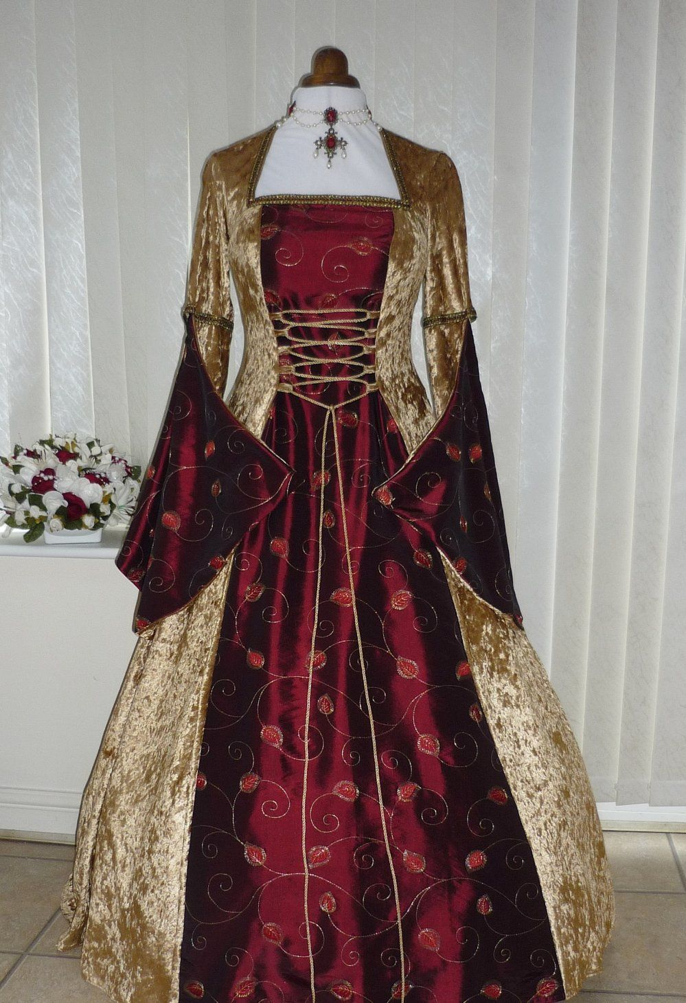 Medieval Pagan Open Sleeve Gold And Burgundy Wedding Dress - Burgundy And Gold Wedding Dress